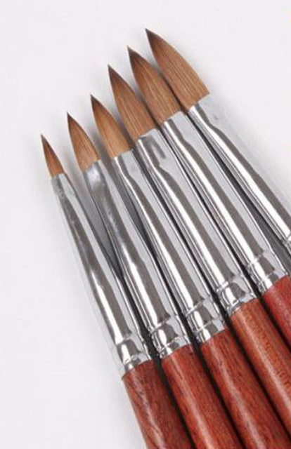Acrylpenseel  100% Kolinsky handvat hout maat 8