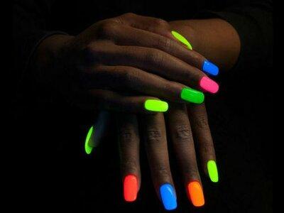 Gellak 101  glow in the dark