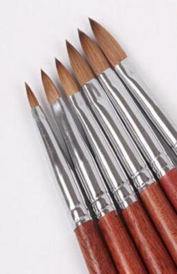 Acrylpenseel  100% Kolinsky handvat hout maat 4